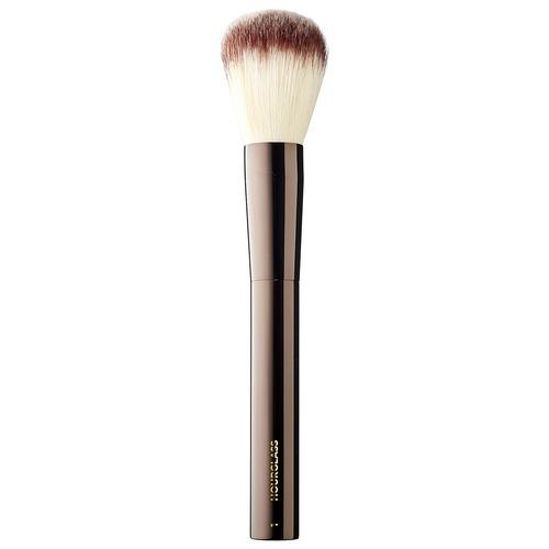 Closeup   brush 20powder 20no 201