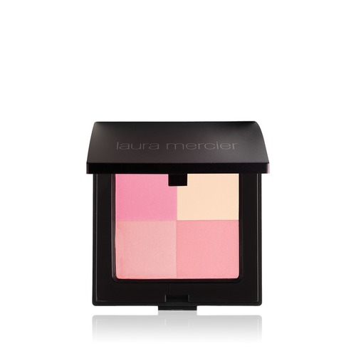 Closeup   lauramercier illuminatingpowder coralred