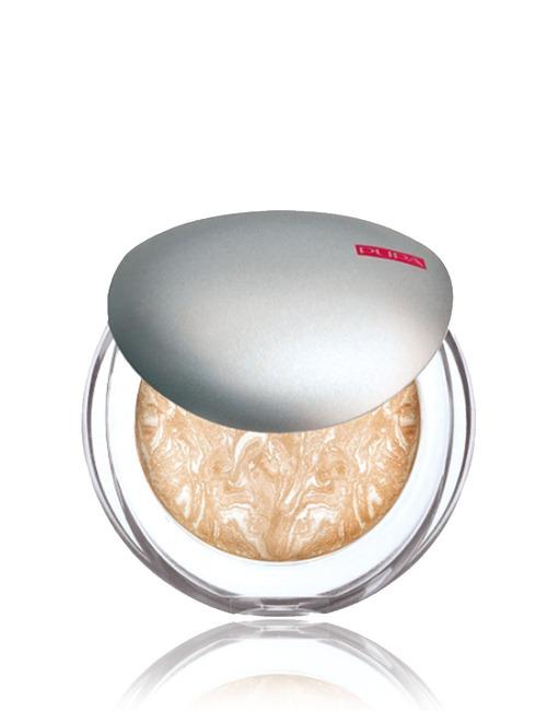 Closeup   pupa luminysbakedfacepowder 01