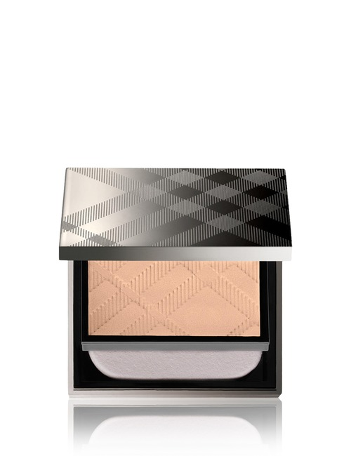 Closeup   burberry fresh glow compact no31 rosy nude