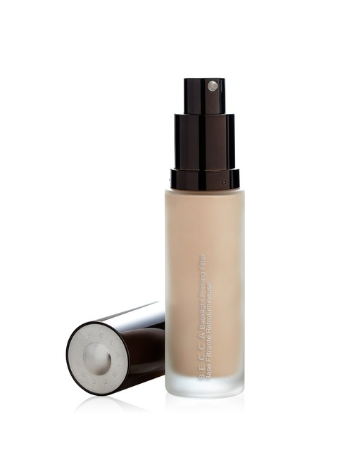 Closeup   becca 20backlight 20priming 20filter